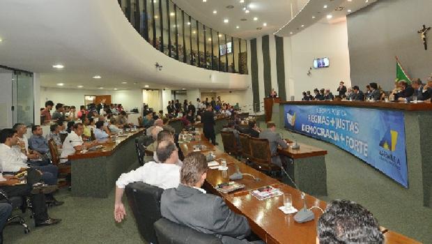 Deputados se reúnem para mandar propostas de reforma à Câmara Federal