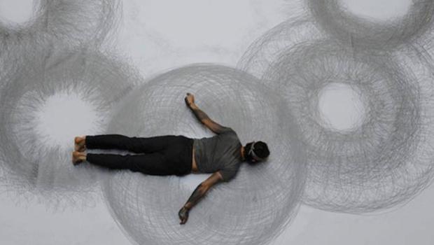 """A arte de espalhar arte pela cidade inteira nas """"Entre Linhas do Corpo"""""""