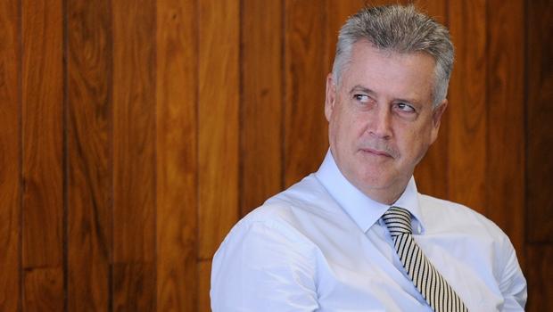 """""""Quem comprou vaga tem que sair"""", diz Rollemberg"""