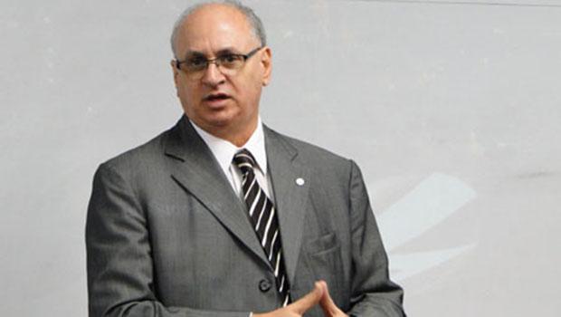Sinval Zaidan Gama, presidente da Celg: seu objetivo é recuperar  e, em seguida, privatizar a companhia de eletricidade de Goiás   Foto: Fernando Leite / Jornal Opção