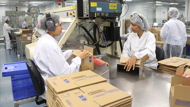 Indústria puxa saldo positivo de empregos em março