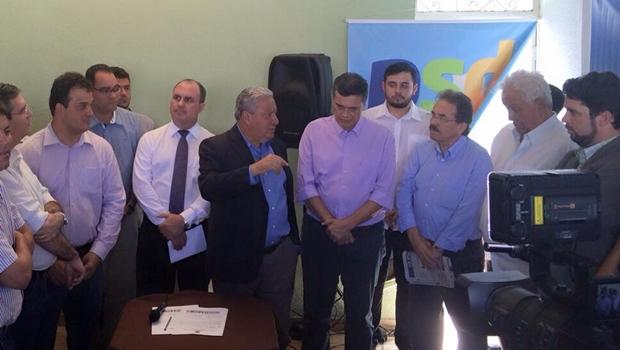Filiação do ex-secretário foi prestigiada pelo presidente do partido, Vilmar Rocha, e do deputado estadual Virmondes Cruvinel   Foto: reprodução / Facebook