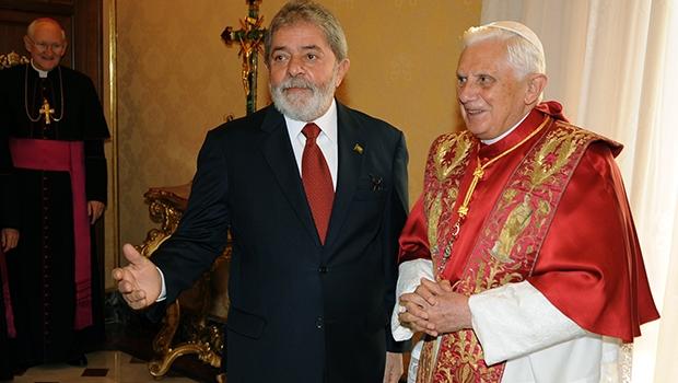 Presidente Lula e Papa Bento XVI assinaram acordo religioso em 2008 | Foto: Christophe Simon/AFP