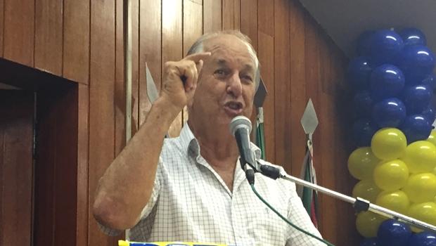 """Mané de Oliveira a deputados tucanos rebeldes: """"Se querem sair, que saiam"""""""