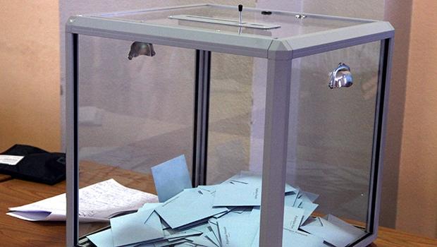 Voto impresso, já adotado em diversos países, daria mais transparência ao obscuro processo eleitoral brasileiro