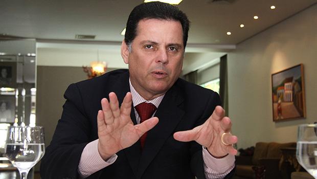 Marconi Perillo vai discutir comando do PSDB com a bancada de deputados