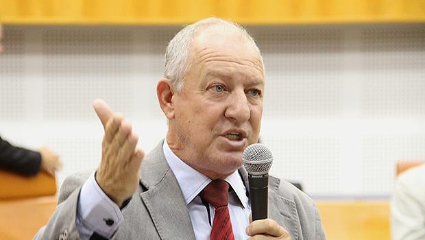 Vereador Milton Mercez, do PTB, está com identificação errada na Casa | Foto: Alberto Maia/Câmara de Goiânia