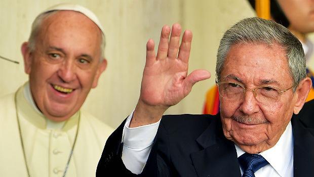 Papa Francisco recebe Raúl Castro em encontro privado