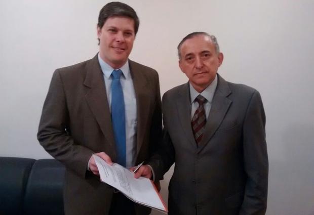 Rafael Lousa recebe apoio do presidente da Câmara, Anselmo Pereira | Foto: arquivo pessoal