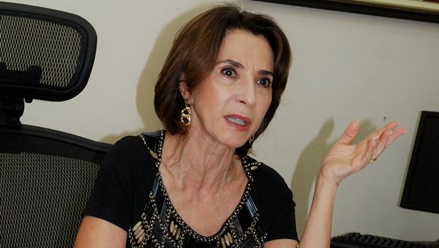 Raquel Teixeira admite que pode deixar a Secretaria da Educação. Diz que está apanhando de todo mundo