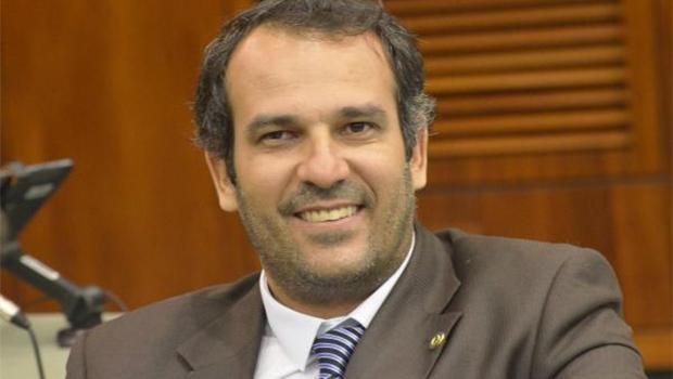 Sem alarde, Renato de Castro se filia ao PMDB
