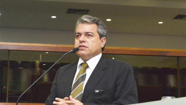 Deputado Ernesto Roller disse ao Jornal Opção que ainda não discutiu o assunto