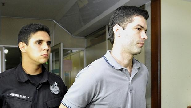 Suposto Serial Killer, Tiago Henrique, em audiência no TJGO (28/4) | Foto: Aline Caetano