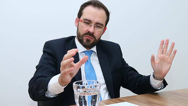 """""""O advogado anda de cabeça baixa em Goiás. Vamos resgatar seu prestígio"""""""