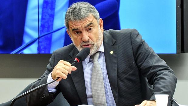 Relator propõe redução da maioridade penal apenas para crimes hediondos