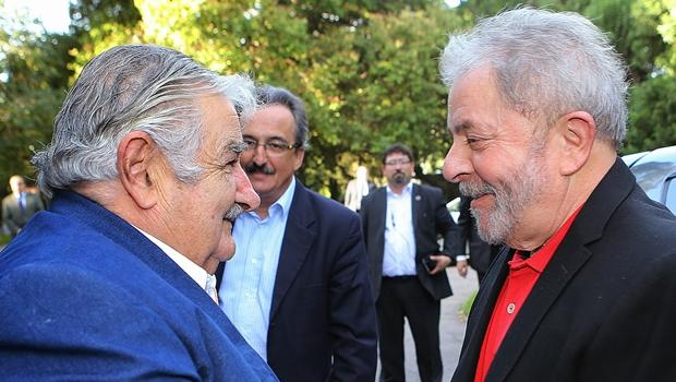 Mujica deve ir ao Senado explicar suposta confissão de Lula sobre o mensalão