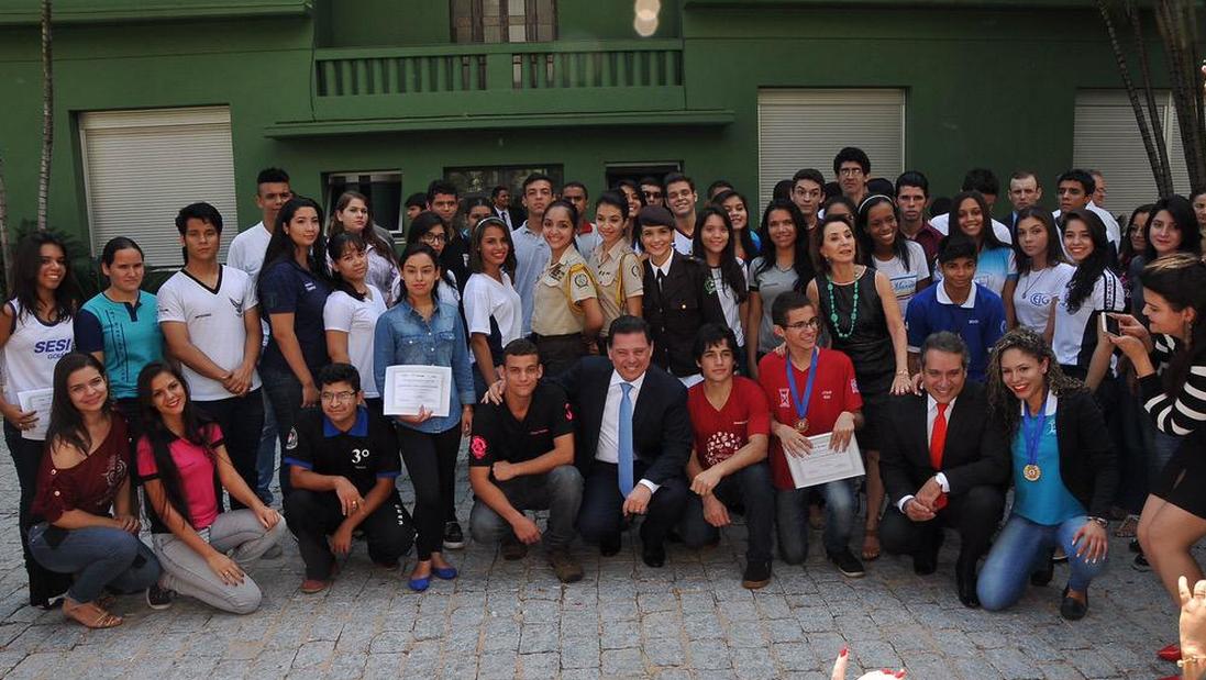 Congresso da UNE reúne cerca de 10 mil estudantes em Goiânia