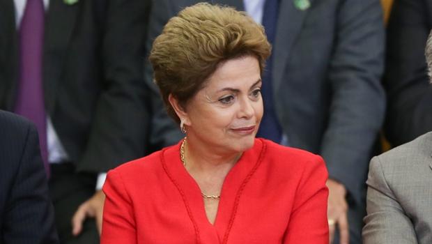 """Dilma fala em """"mal-estar criado pela mídia"""", durante jantar com líderes"""