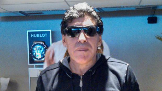 Jornalista uruguaio afirma que Maradona é candidato à presidência da Fifa