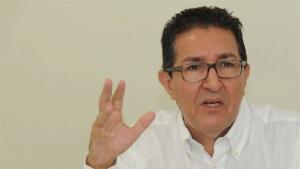 """Economista Jeferson de Castro: """"O desemprego provoca a retração da economia, no geral"""""""