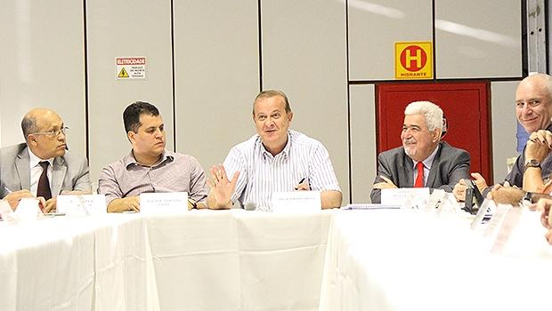 Pauloo Garcia se reuniu com novos secretários na segunda-feira (8)  Foto: Edilson Pelikano/Ascom
