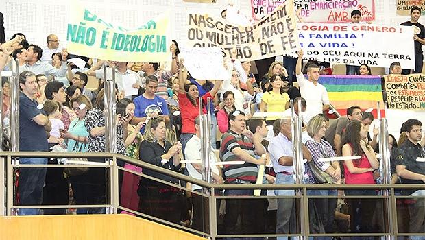 Sob protestos, PME foi aprovado em definitivo na Câmara   Foto: Eduardo Nogueira/Câmara de Goiânia
