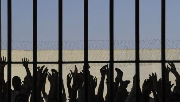 Rebelião em presídio de Pernambuco deixa um detento morto e 13 feridos