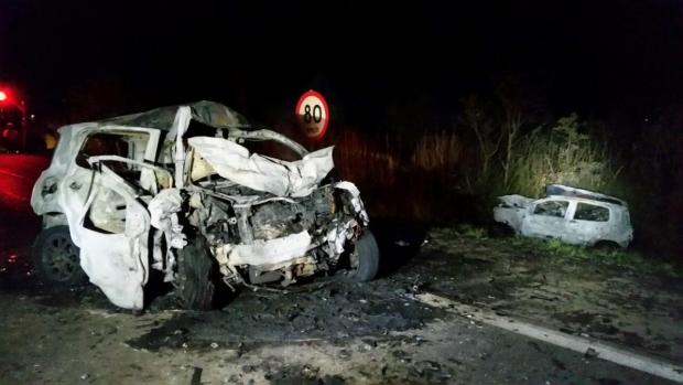 Carro com placa de Minas Gerais era conduzido por motorista alcoolizado | Foto: PRF/Divulgação
