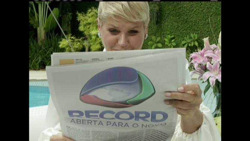 """Xuxa brinca com """"demissão"""" da Globo em primeira chamada para a Record"""