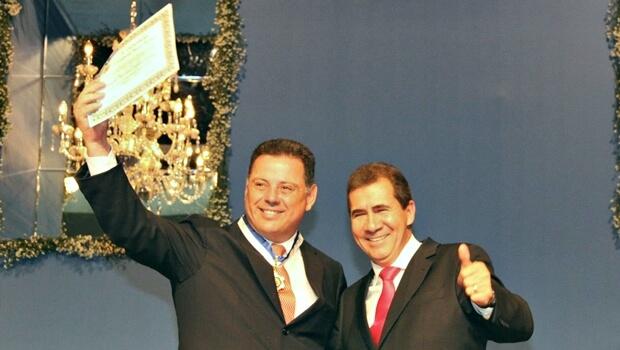 Gerida pelo PT, Prefeitura de Anápolis concede sua mais alta honraria a Marconi