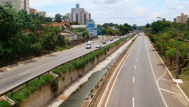 SMT flagra motoristas trafegando na Marginal Botafogo a 150 km/h