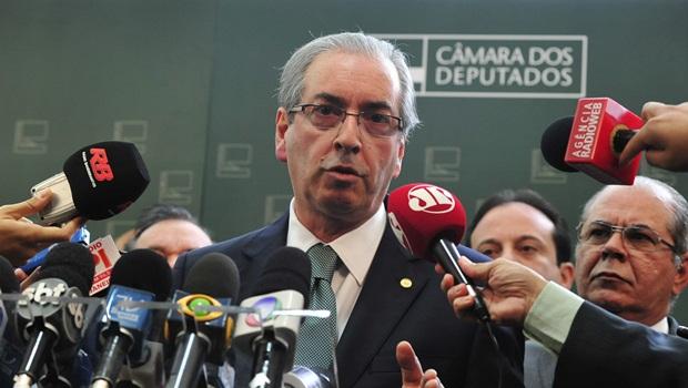 """Cunha avalia nova meta fiscal do governo: """"Absurda"""""""