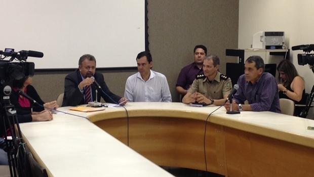 Audiência reuniu representantes de vários setores para discutir destino de terreno da Polícia Militar e de área do setor Jaó | Foto: Bruna Aidar
