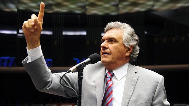 Como Ronaldo Caiado vai disputar o governo do Estado se não tem apoio de nenhum deputado?