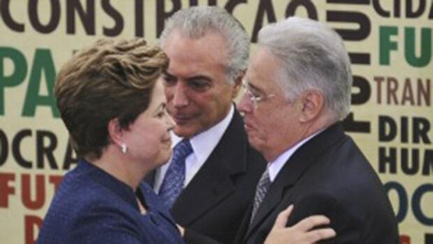 """FHC ataca Lula, mas defende Dilma: """"Eu a considero uma pessoa honrada"""""""