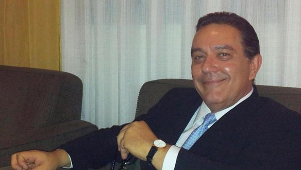 Ernani de Paula diz que pode ser a terceira via e que pode ganhar de João Gomes e Carlos Antônio