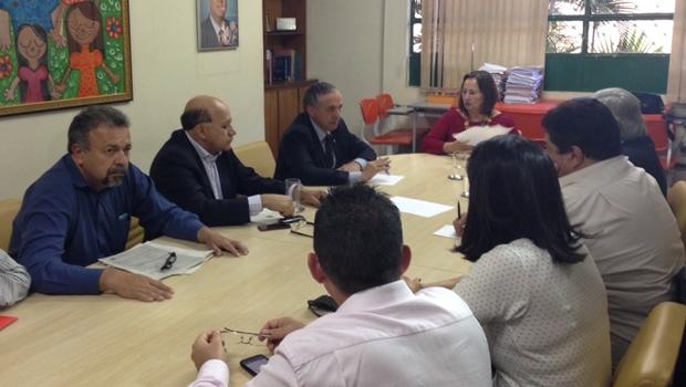 Comissão inicia apuração de supostas irregularidades na merenda escolar