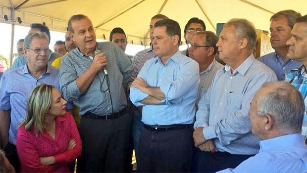 Prefeito Paulo Garcia (PT), em discurso, divide palanque com Jayme Rincón (PSDB), pré-candidato ao Paço Municipal. Coisa do governador Marconi Perillo | Foto:  Reprodução/Twitter
