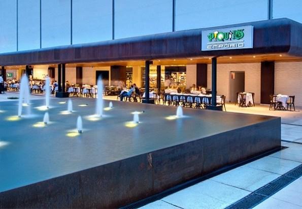 Fachada do restaurante Piquiras do Flamboyant, o mais novo do grupo | Foto: reprodução / site