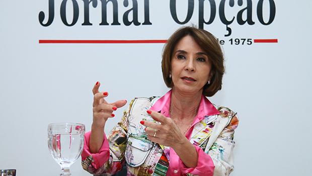 """Secretária de Educação, Raquel Teixeira: """"A ideia das escolas militares encanta muitos  em Goiás"""""""