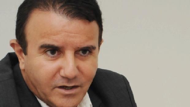 """Deputado Eduardo Siqueira Campos: """"Por que a passagem é tão cara?"""""""