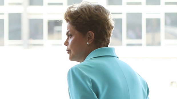 Oposição adia para esta quarta-feira novo pedido de impeachment de Dilma