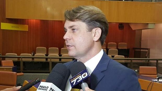 Deputado Bruno Peixoto em entrevista na Câmara de Goiânia | Foto: Divulgação