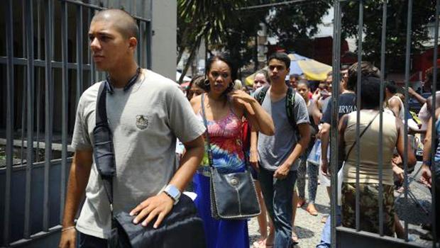 No  ano  passado,  dos  8,7  milhões  de  inscritos,  cerca  de  6,2  milhões  fizeram  o  exame  Arquivo/Agência Brasil