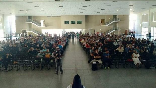 Professores da UFG decidem manter greve por tempo indeterminado