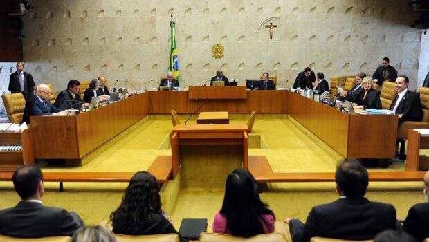 CCJ aprova PEC que estabelece prazo para indicação de ministro do STF