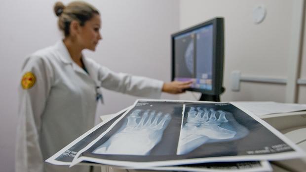 Planos de saúde passam a cobrir 18 novos procedimentos. Confira lista
