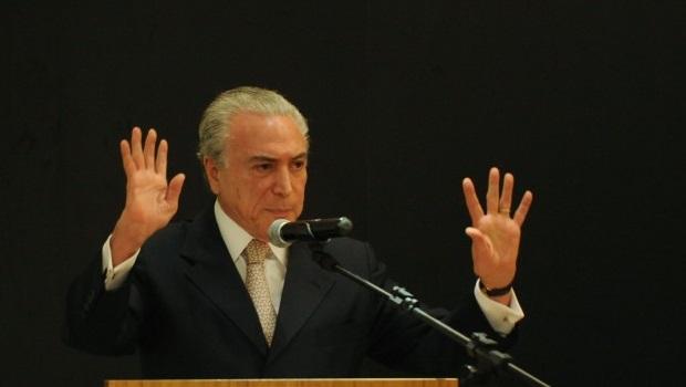 Temer nega conspiração e garante que trabalha junto a Dilma