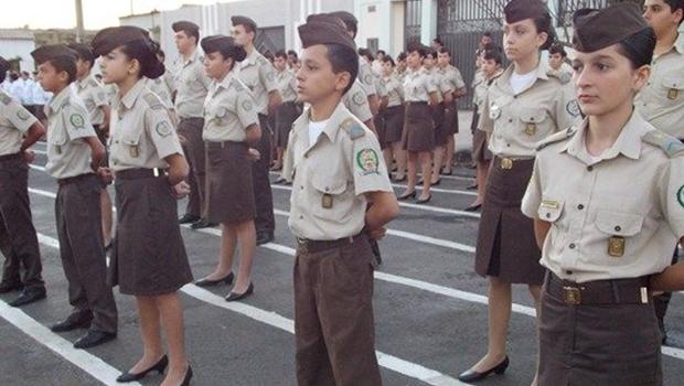 Projeto de Lei do governo quer transformar escola estadual de Vianópolis em militar