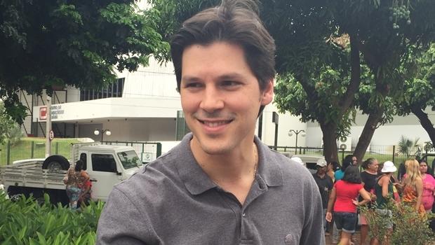 Daniel Vilela concede entrevista durante evento do PMDB | Foto: Alexandre Parrode / Jornal Opção